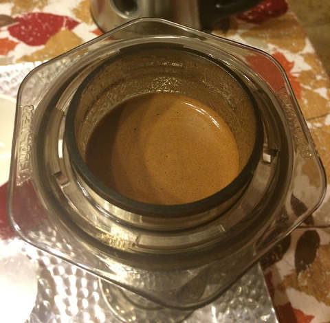 this is crema in Aeropress